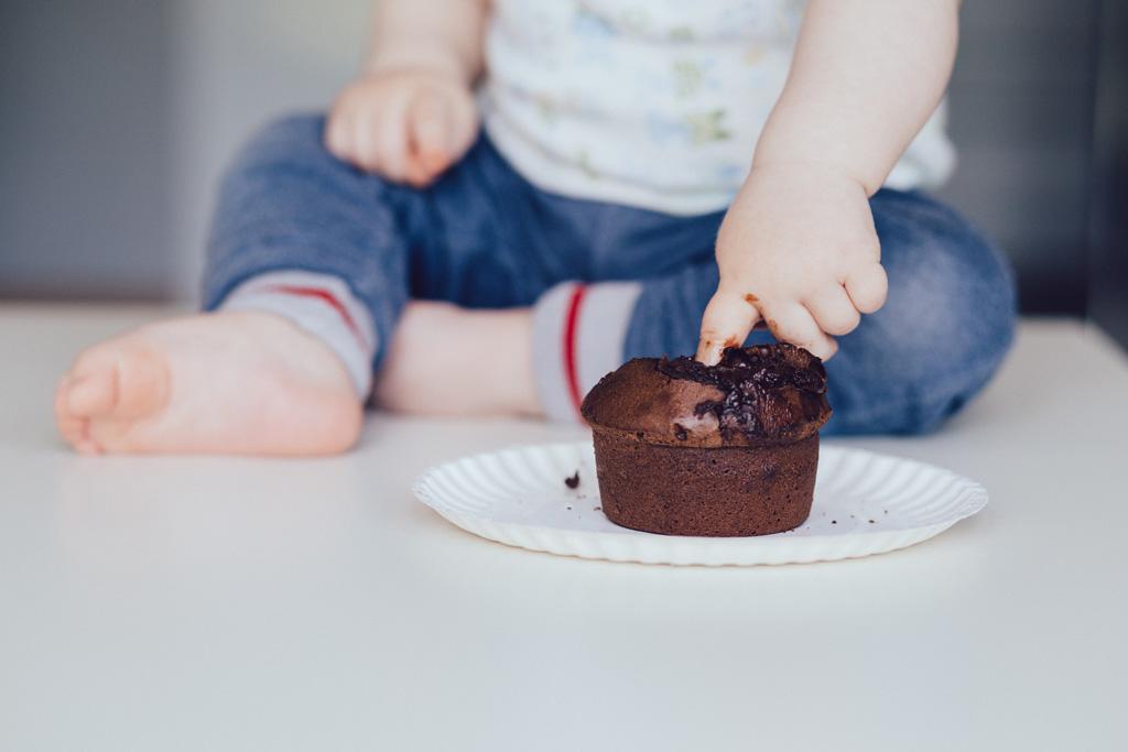 Un bebe y su tarta